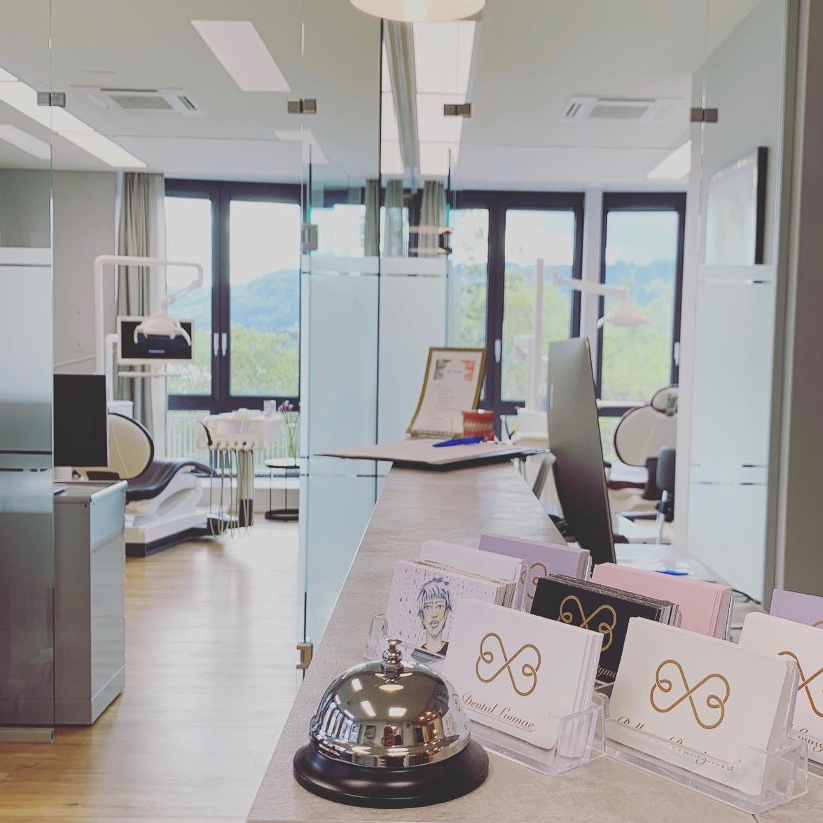 Empfang Zahnarztpraxis Dental Lounge am Bellevue Zürich